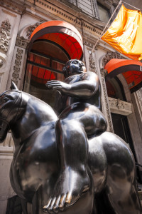 Fernando Botero,Volumptous Man on horse, photo by Guevremont